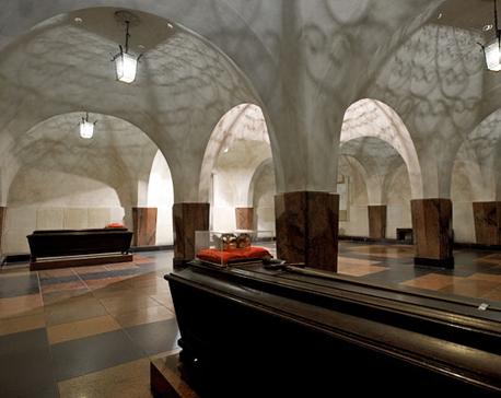 katedros-pozemiai